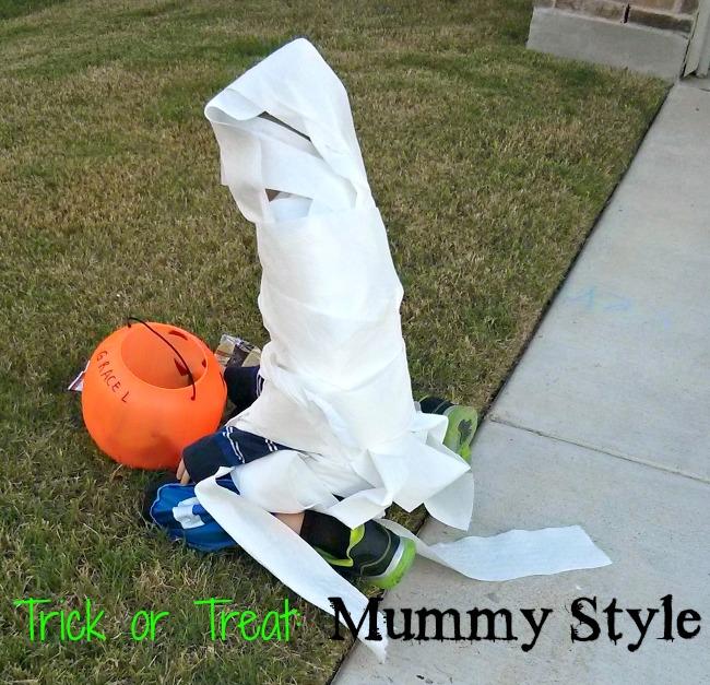 Halloween Relay Race Mummy