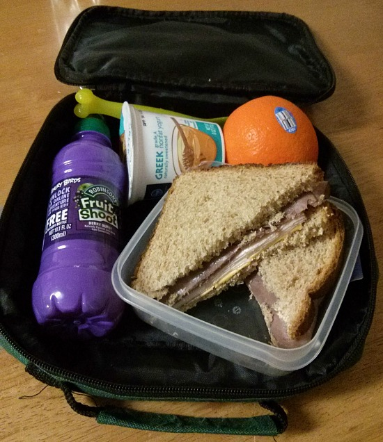 How to pack the perfect lunch for kids #fuelyourimagination #fruitshoot - Easy Lunch Ideas
