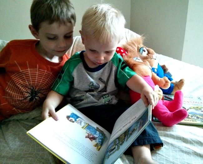 Kohls Cares Little Critters Plush and Books