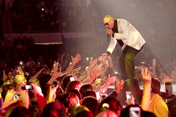 Pitbull and Enrique Iglesias Fall 2014 Tour