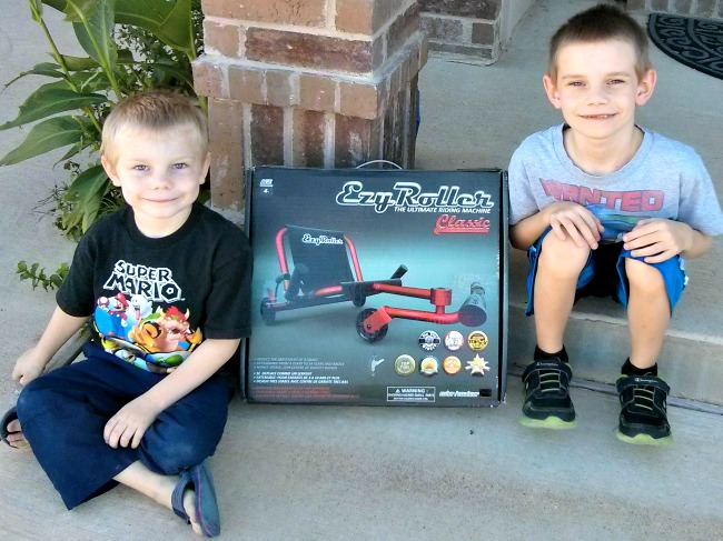 ezyroller classic is an awesome holiday gift idea for kids JennsRAQ