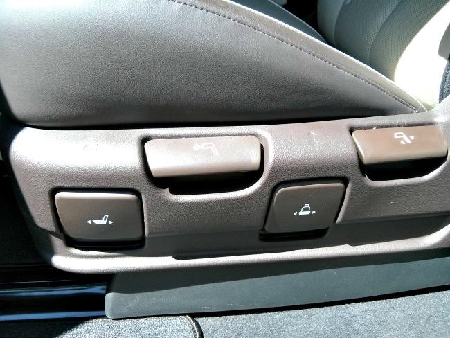 2015 Kia Sedona SX-L Easy adjustable seats