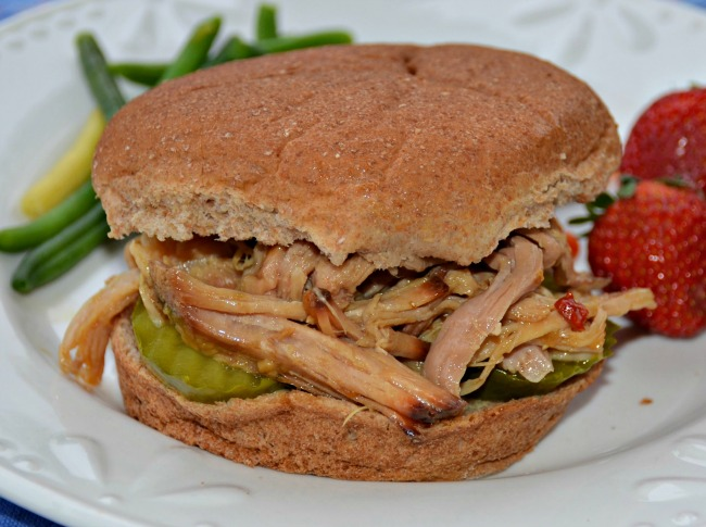 Simple Slow Cooker Pulled Pork for a Crowd using just 5 Ingredients - JennsRAQ.com