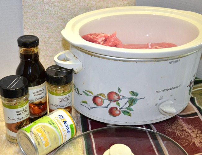 Slow Cooker Pulled Pork for a Crowd - Just 5 Ingredients from JennsRAQ.com