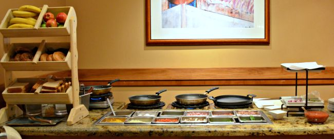 Vidalias Restaurant omelettes at Renaissance Worthington Hotel in Fort Worth Texas as seen on jennsRAQ.com