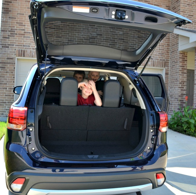 2016 Mitsubishi Outlander SEL Trunk Space