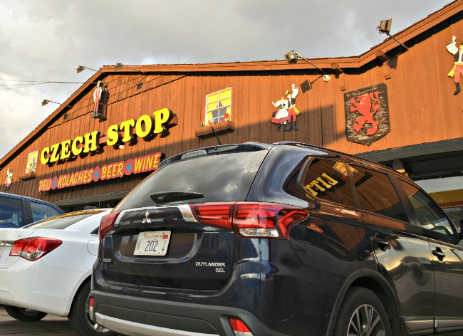 2016 Mitsubishi Outlander SEL at Czech Stop in West Texas