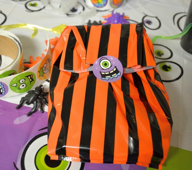 How to Host a Halloween Party on a Budget as seen on jennsRAQ.com Treat Bag