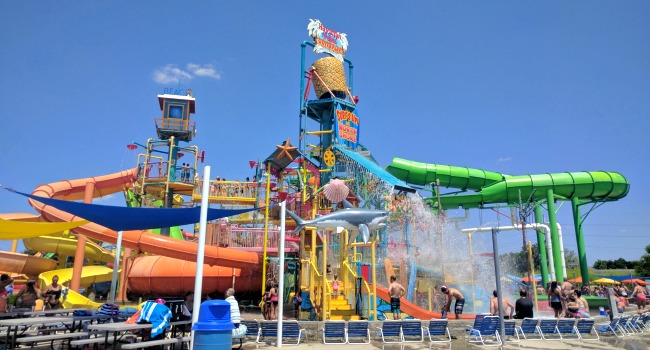Hawaiian Falls Roanoke for Family Fun - It feels so good to get soaked on a hot day