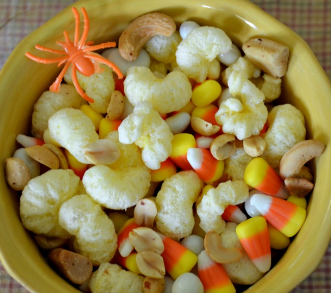 Pirate's Booty Trail Mix - Perfect for Halloween. Simple and delicious