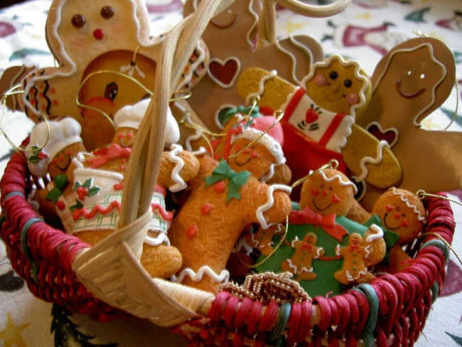 Last Minute Christmas Party Ideas - Baking Party