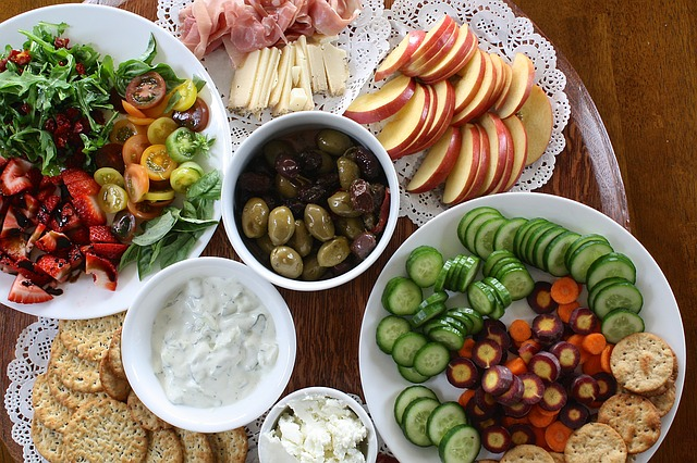 Last Minute Christmas Party Ideas - Potluck Party