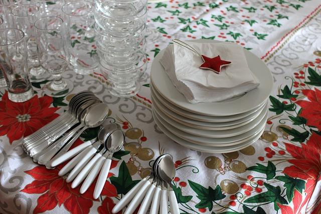 Last Minute Christmas Party Ideas - As seen on jennsRAQ.com