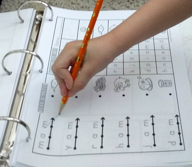 The Crafty Classroom READ Curriculum Notebook beginning reading