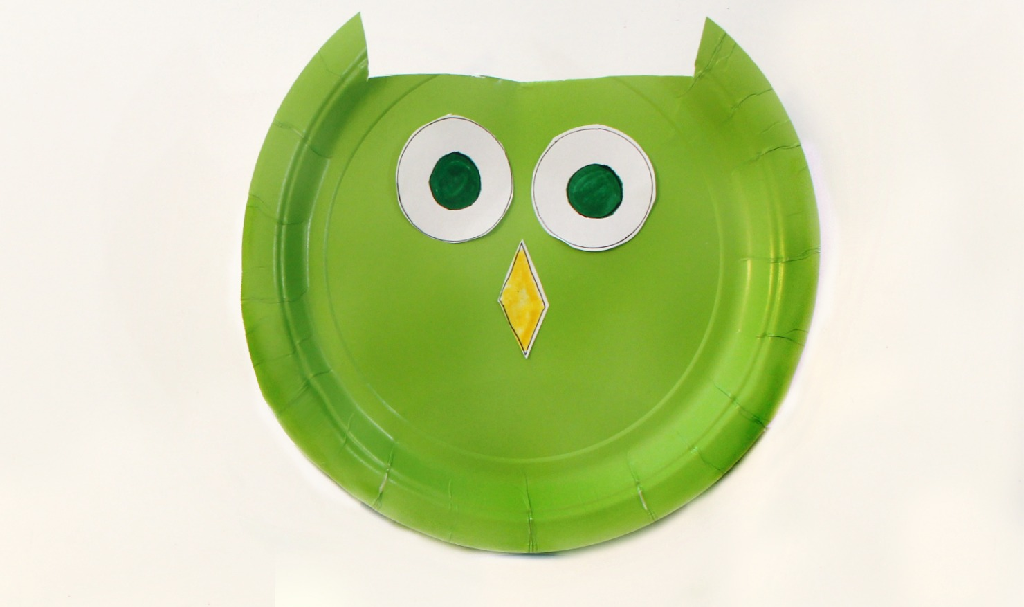 Owl Paper Plate Craft - Making the Face & Paper Plate Owl Craft- Real And Quirky
