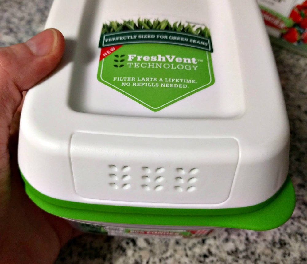Rubbermaid FreshWorks Produce Saver Containers - FreshVent Technology