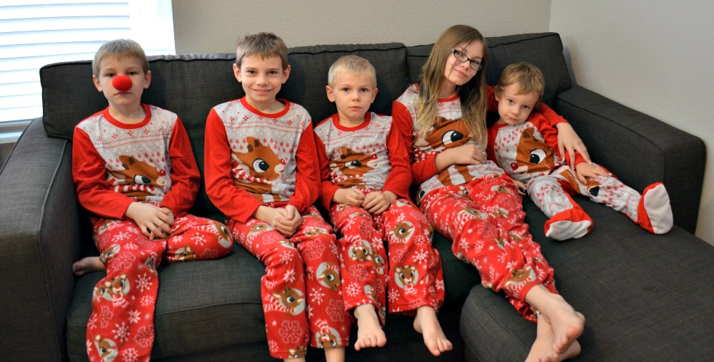 9 Christmas Traditions to Start THIS Year - Christmas Pajamas