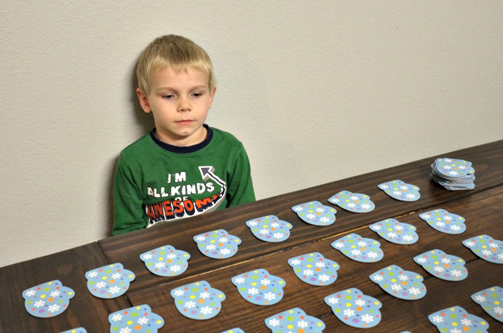 Activities to Keep Kids Busy Over Winter Break - Marvelous Matching Mittens Game
