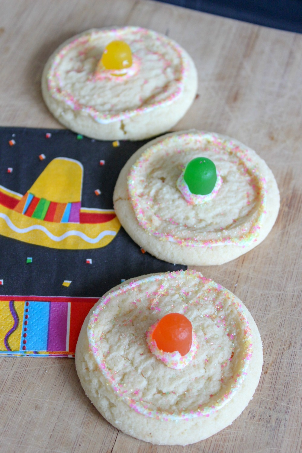 Quick and Easy Sombrero Cookies for a Cinco de Mayo or Fiesta themed party