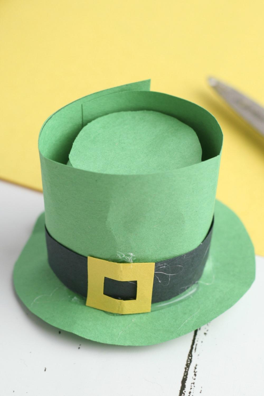 Leprechaun Hat DIY Craft using K-Cups Adding the Buckle