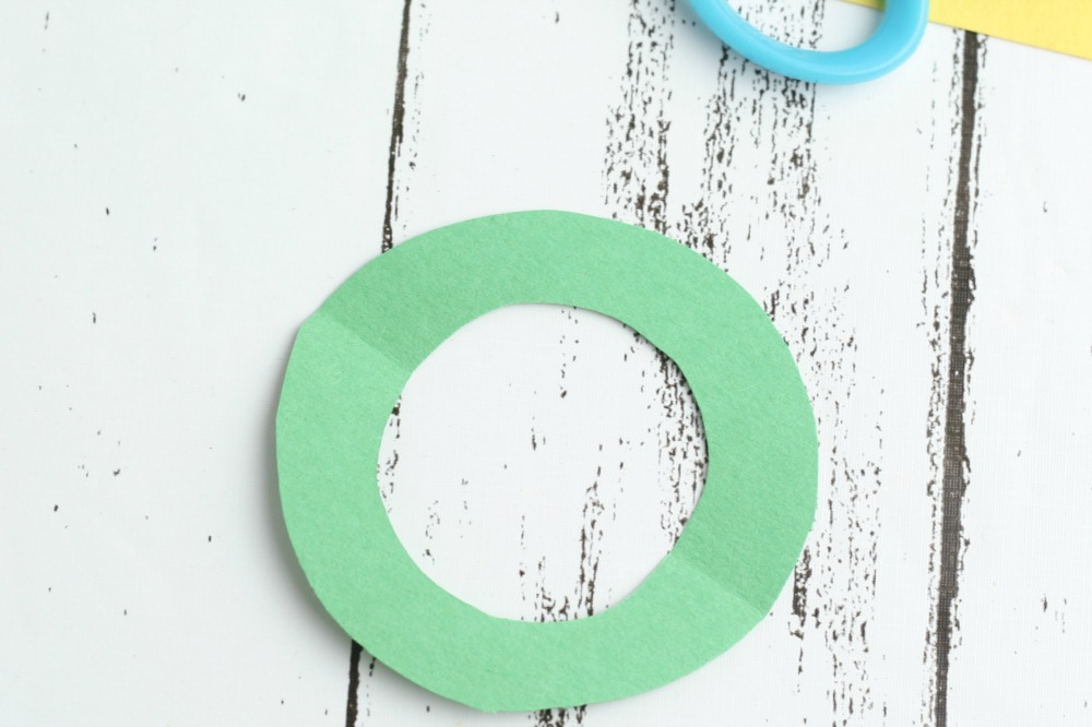 Leprechaun Hat DIY Craft using K-Cups Folded Cut Green Circle